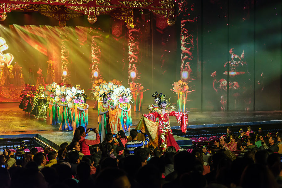 jiuzhaigou night show performance